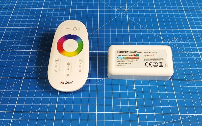 Comment raccorder et utiliser le contrôleur LED RGB RF ?