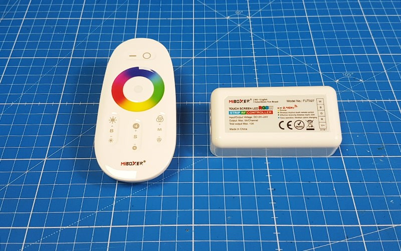 Comment raccorder et utiliser le contrôleur LED RGBW RF ?