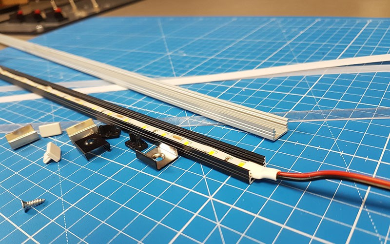 Comment installer la réglette aluminium LED SLIM ?