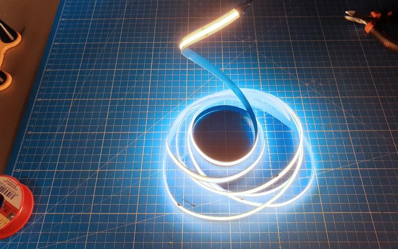 Comment couper et raccorder le ruban LED COB?