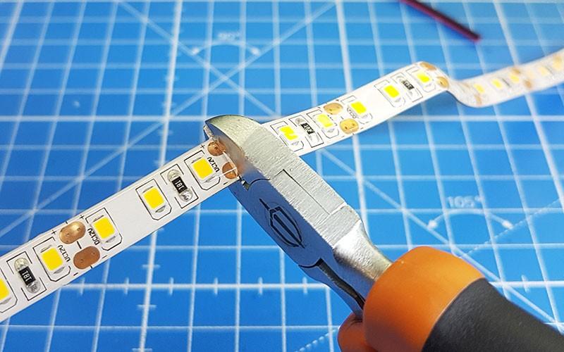 Comment raccorder un ruban LED avec des connecteurs rapides ?