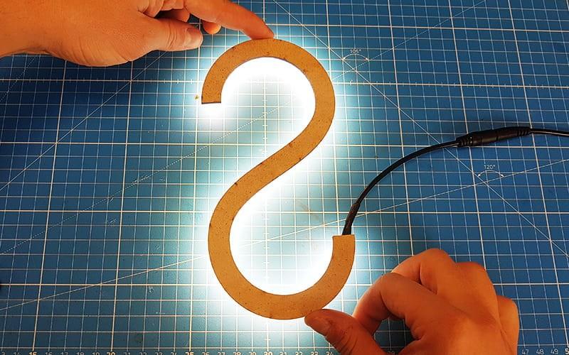 Comment couper, souder et mettre en place le ruban LED ZIG-ZAG ?