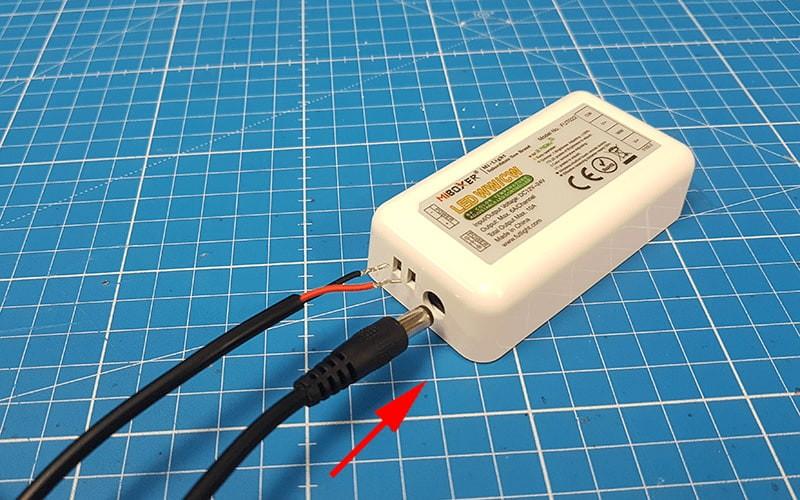 Comment raccorder et utiliser le contrôleur LED CCT RF ?