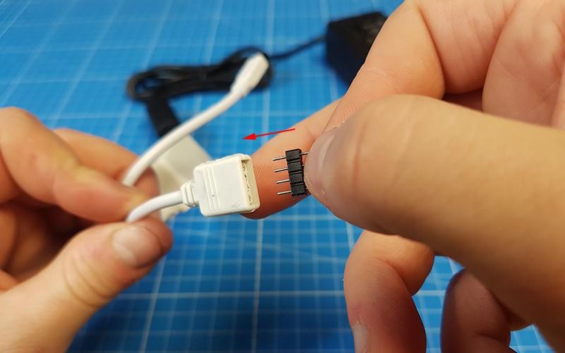 Comment brancher et gérer le contrôleur LED RGB IR 44 Touches ?