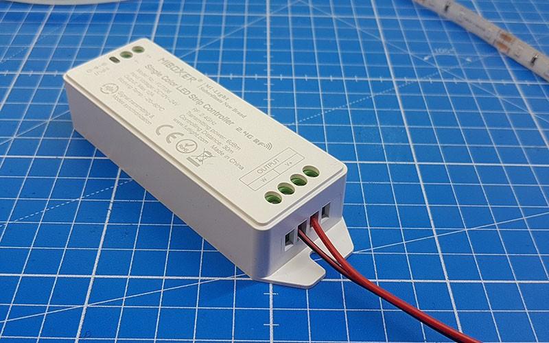 Comment connecter et utiliser le variateur LED multizone ?
