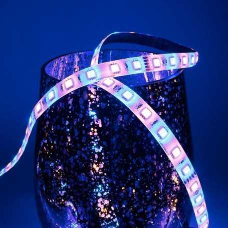 Bande LED RGB+WW avec un blanc chaud 12V 60LED/m étanche 5m