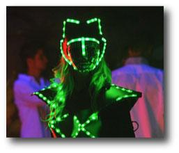 Robot led femme équipé de bande led RGB